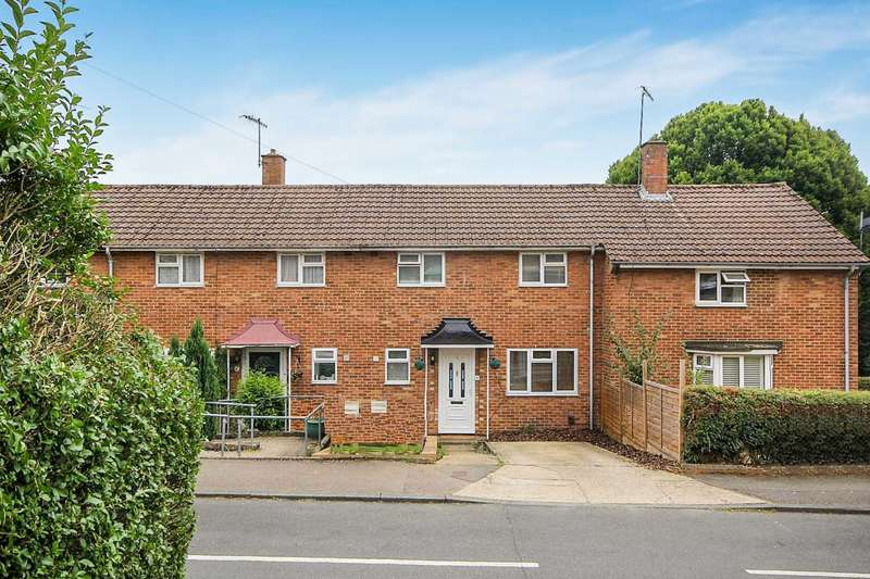 3 Bedrooms Terraced House for sale in 3 BED with FIRST FLOOR BATHROOM, Chaulden Terrace HP1