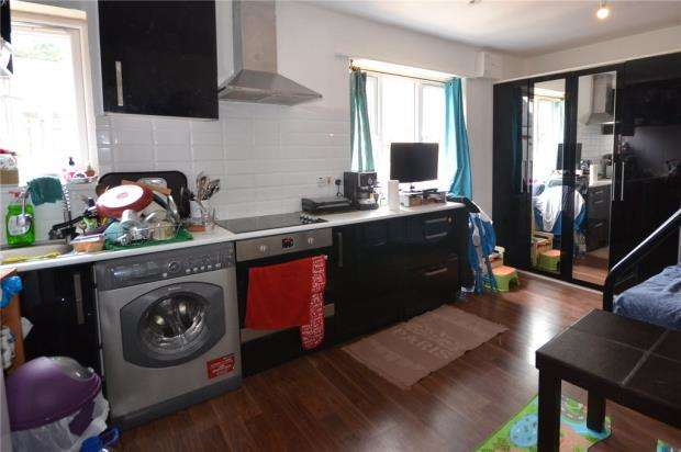 1 Bedroom Apartment Flat for sale in Queens Parade, New Street, Basingstoke