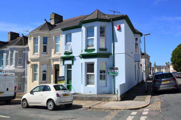 4 Bedrooms End Of Terrace House for sale in Maybank Road, Plymouth, Devon