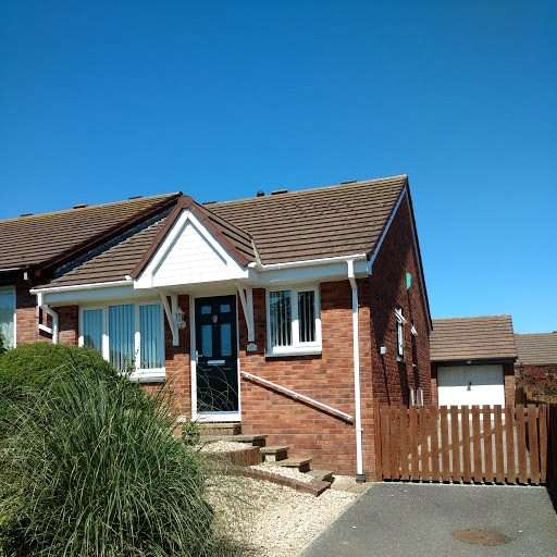 2 Bedrooms Semi Detached Bungalow for sale in Gwarth An Dre, St Marys Gardens, Phillack
