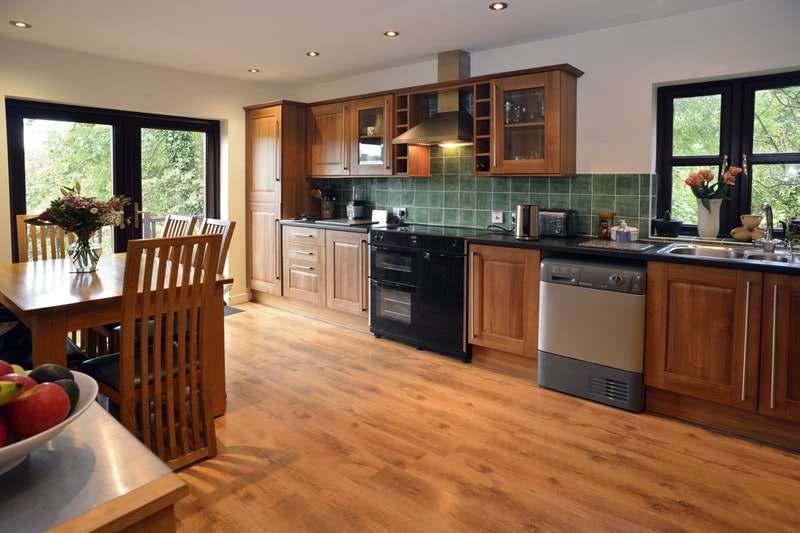 4 Bedrooms Detached House for sale in Ash Court, West Street, Rosemarket, Milford Haven, Pembrokeshire, SA73
