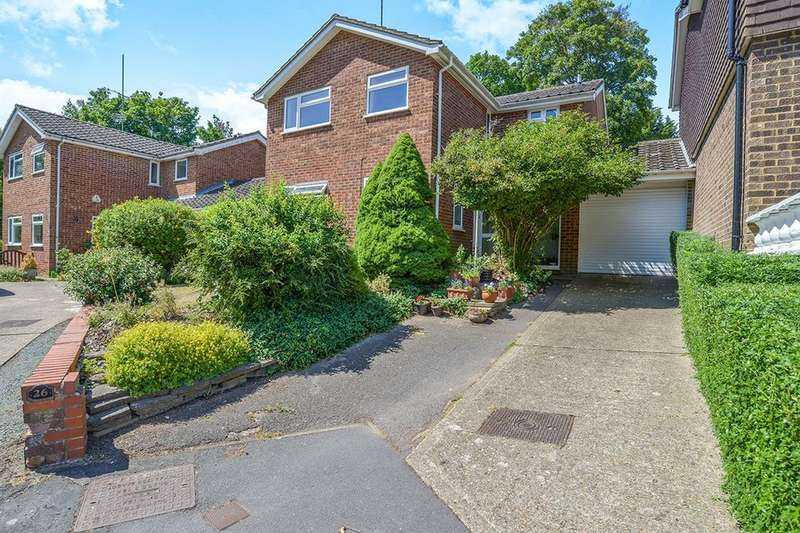 4 Bedrooms Detached House for sale in Beechpark Way, Watford, WD17
