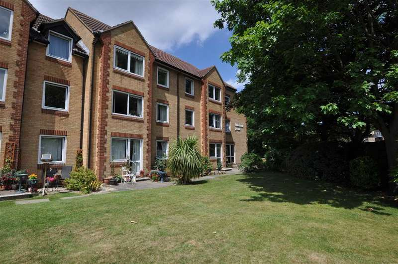 1 Bedroom Retirement Property for sale in Homehurst House, Sawyers Hall Lane, Brentwood
