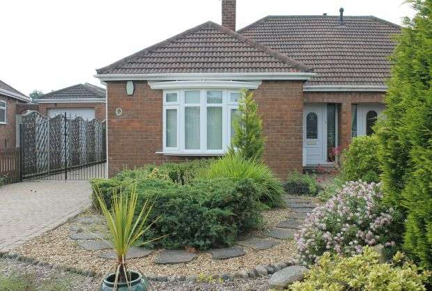 3 Bedrooms Semi Detached Bungalow for sale in Thames Avenue, Guisborough