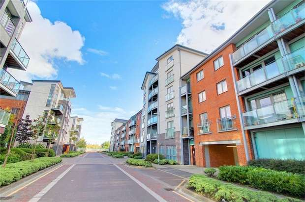 2 Bedrooms Flat for sale in Willbrook House, Gateshead, Tyne and Wear, UK