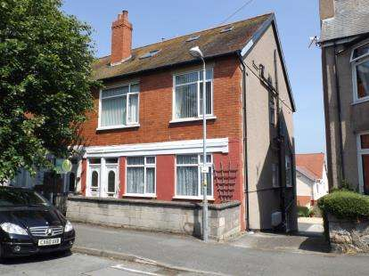 2 Bedrooms Flat for sale in Everard Road, Rhos On Sea, Colwyn Bay, Conwy, LL28