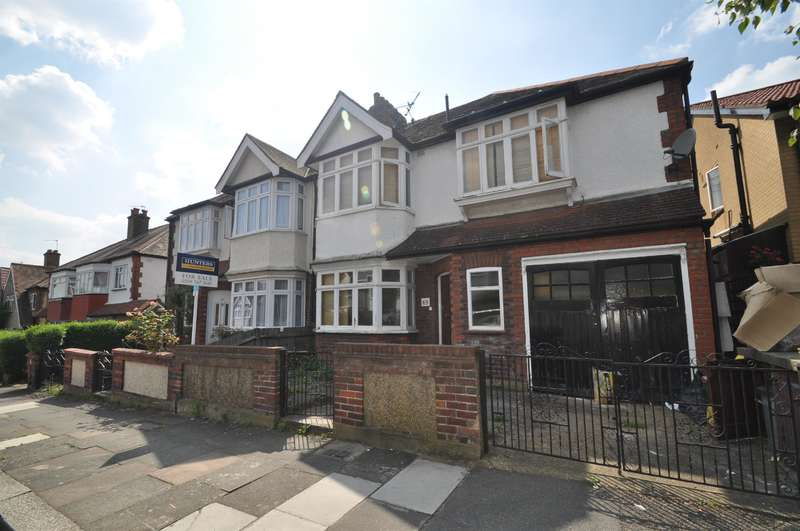 4 Bedrooms Semi Detached House for sale in Highview Road, London, W13 0HA