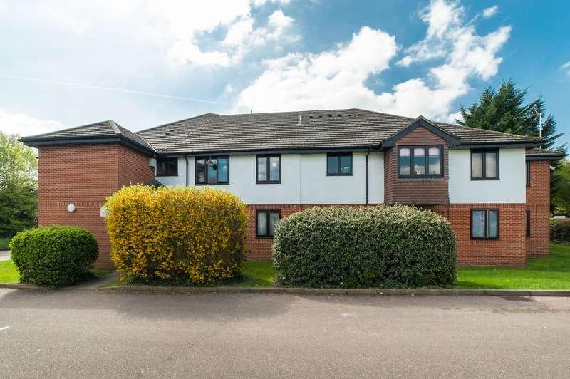 1 Bedroom Flat for sale in Ashbourne Court Hill End Lane, St Albans, Hertfordshire, AL4