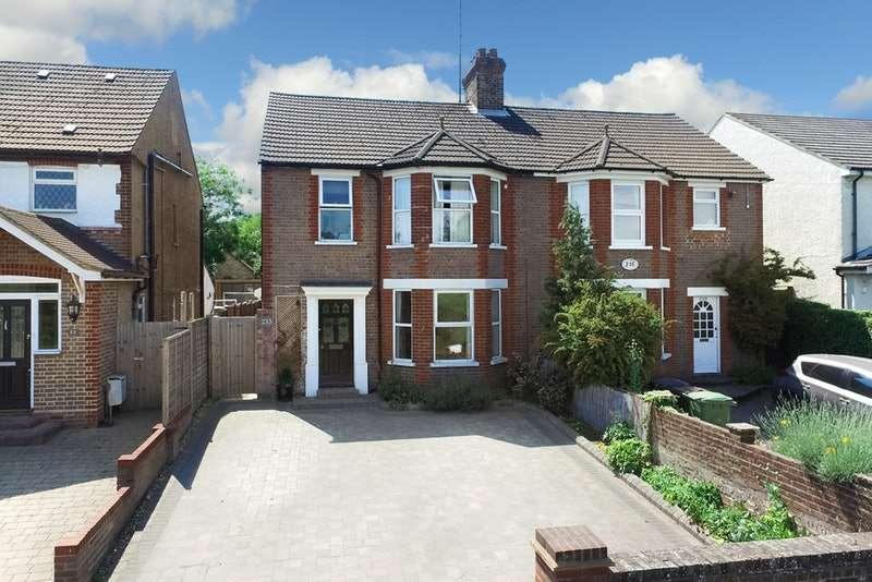 3 Bedrooms Semi Detached House for sale in Luton Road, Harpenden, Hertfordshire, AL5