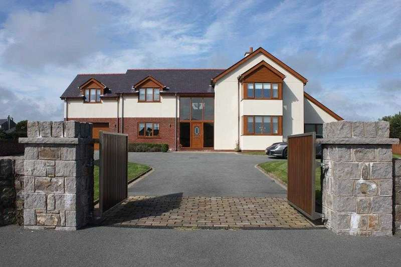 4 Bedrooms Detached House for sale in Llain Alaw, Llangristiolus