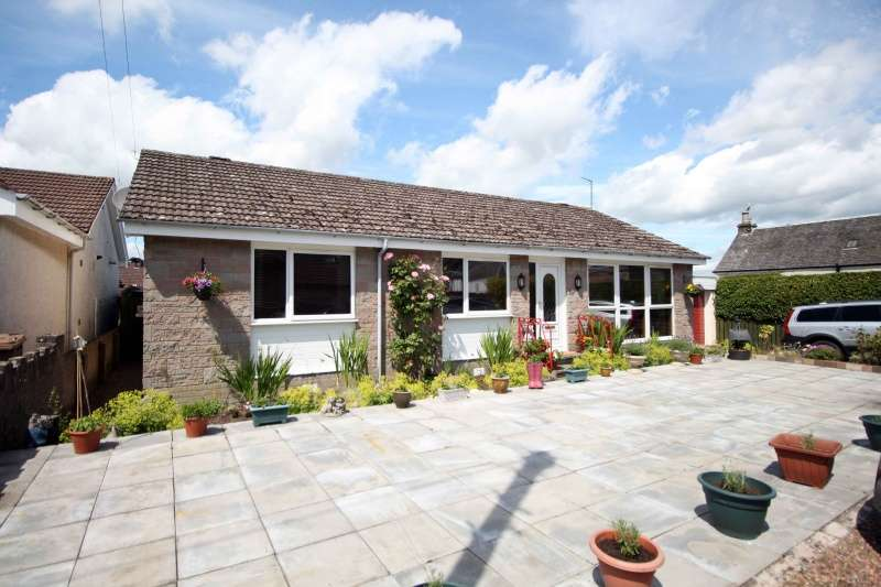 3 Bedrooms Bungalow for sale in Bankton Park, Kingskettle, Cupar, KY15 7PY