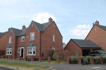 House for sale in Gundulf Road, Meon Vale, Stratford-Upon-Avon