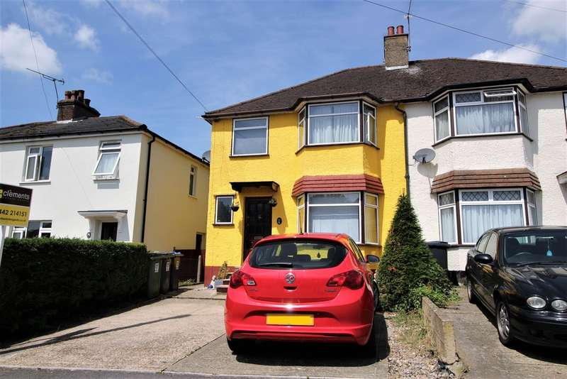 3 Bedrooms Semi Detached House for sale in Hemel Hempstead HERTS HP3