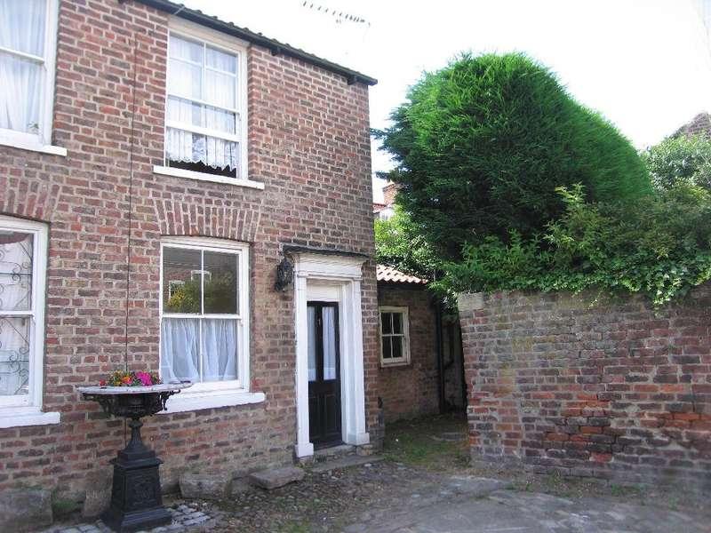 2 Bedrooms House for sale in George & Dragon Yard, Eastgate, Beverley, HU17 8HL