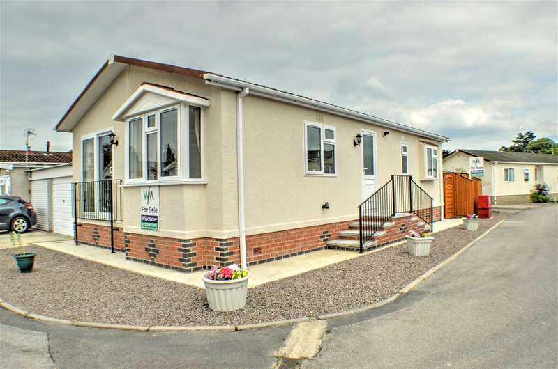 2 Bedrooms Park Home Mobile Home for sale in Lindum Park, Ruskington
