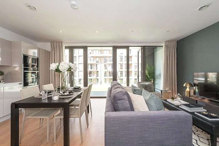 3 Bedrooms Flat for sale in Kilburn Park Road, London, NW6