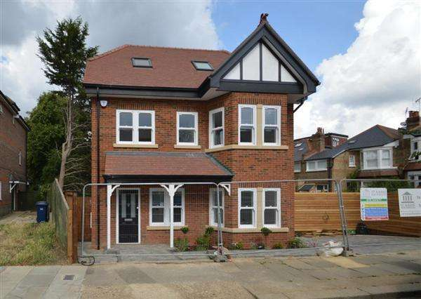 4 Bedrooms House for sale in Auburn House, Gainsborough Road, Woodside Park