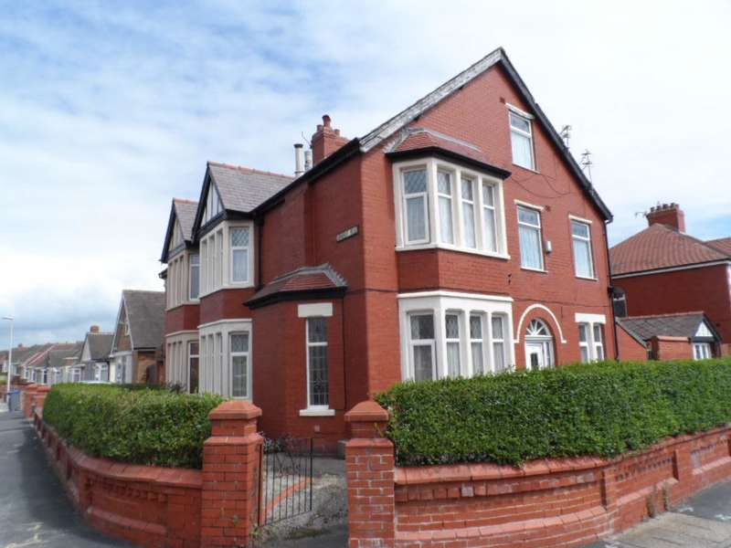 6 Bedrooms Semi Detached House for sale in Hodgson Road, BLACKPOOL, FY1 2LZ