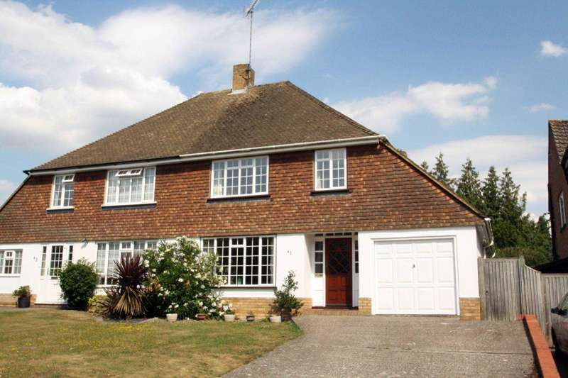 3 Bedrooms Semi Detached House for sale in Andrews Road, Earley
