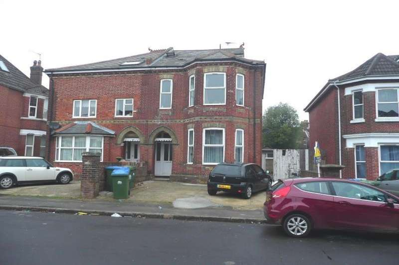 8 Bedrooms Semi Detached House for rent in Alma Road, Southampton, SO14