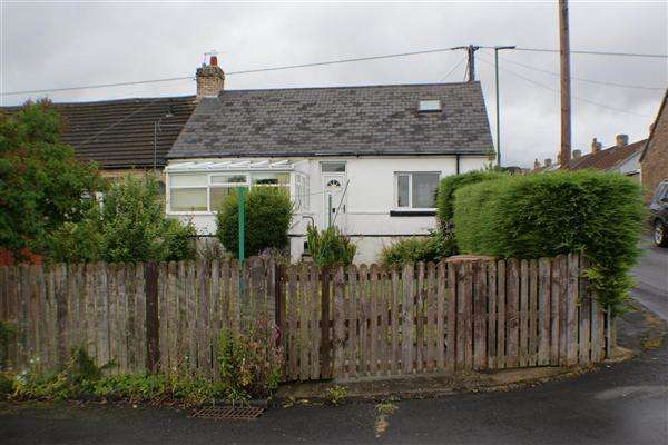 2 Bedrooms Bungalow for sale in Broadway, Delves Lane