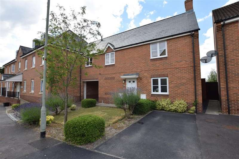 2 Bedrooms Flat for sale in Gloucester Avenue, Shinfield, Reading, RG2