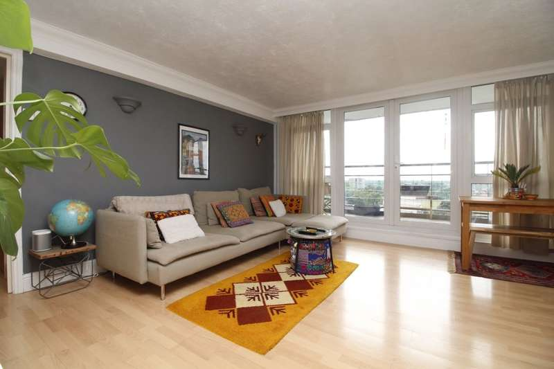 3 Bedrooms Flat for sale in Greenwich Heights Master Gunner Place, London, SE18