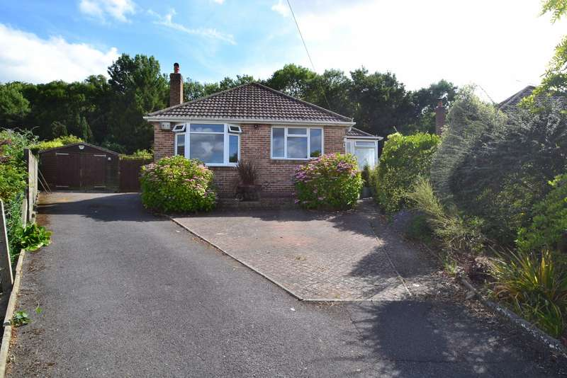 3 Bedrooms Detached Bungalow for sale in Charlton Marshall