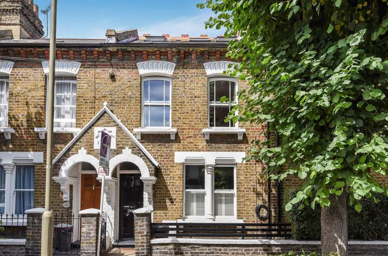 3 Bedrooms House for sale in Ashbury Road, Battersea, SW11