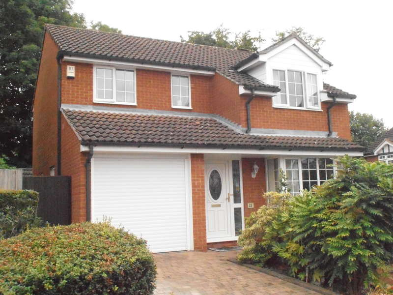 4 Bedrooms Detached House for sale in Lamb Close, Watford
