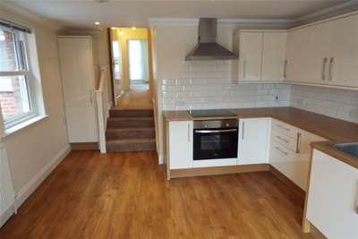 2 Bedrooms Flat for rent in POOLE ROAD, WESTBOURNE VILLAGE