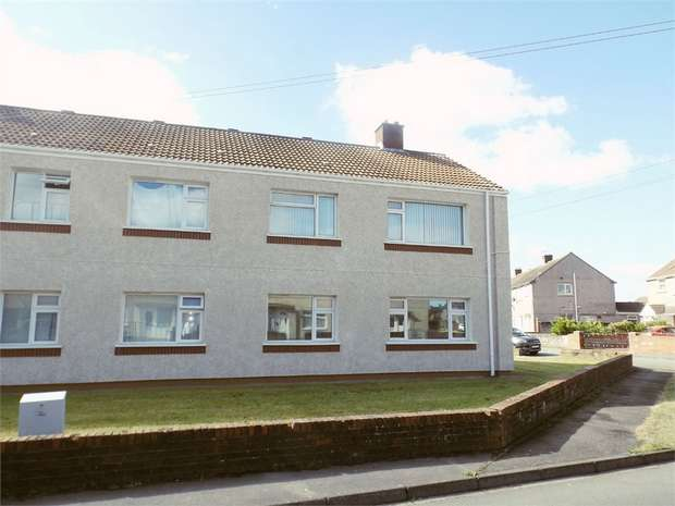 2 Bedrooms Flat for sale in Border Road, Sandfields, Port Talbot, West Glamorgan