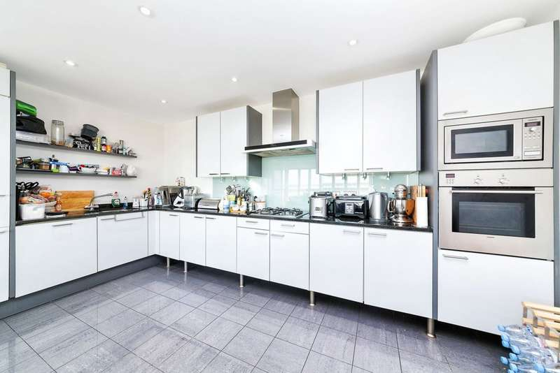 2 Bedrooms Apartment Flat for sale in Eastern Quay, Rayleigh Road, Royal Victoria Dock, E16