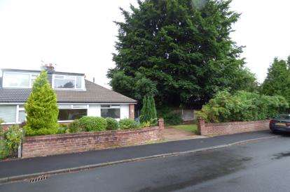3 Bedrooms Bungalow for sale in Albany Road, Lymm, Cheshire