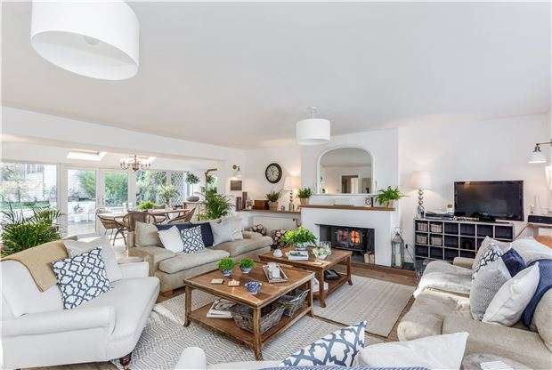 5 Bedrooms Detached House for sale in High Street, Finstock, CHIPPING NORTON, Oxfordshire