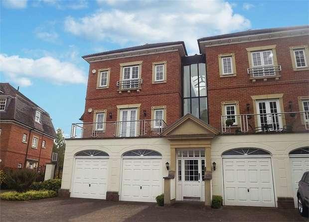 2 Bedrooms Flat for sale in Copperfields, Tunbridge Wells, Kent