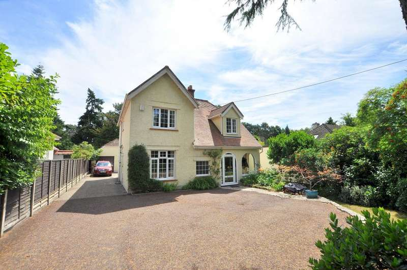 4 Bedrooms Detached House for sale in New Road, Ferndown, BH22 8ET