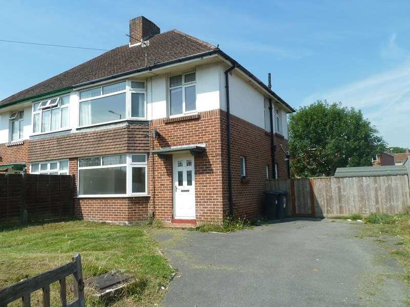 3 Bedrooms Semi Detached House for sale in Kinson Road, Kinson, Bournemouth