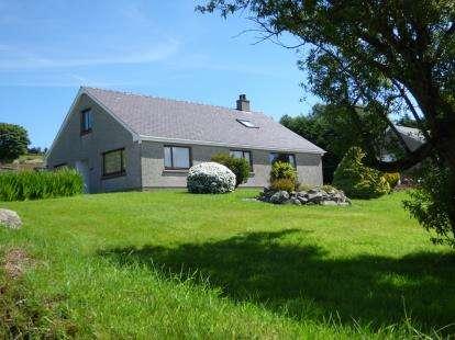 4 Bedrooms Bungalow for sale in Deiniolen, Caernarfon, Gwynedd, LL55
