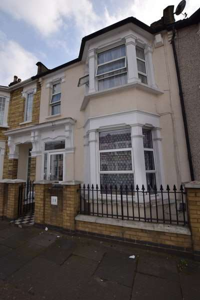 4 Bedrooms Terraced House for sale in Kitchener Road, London, London, E7
