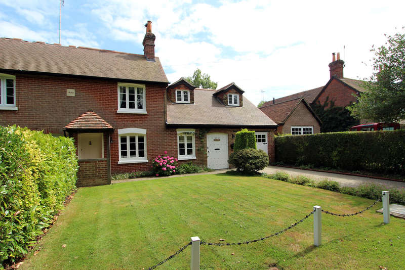 4 Bedrooms Semi Detached House for sale in Lodge Hill, Newtown