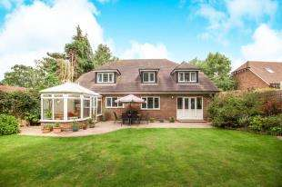 4 Bedrooms Detached House for sale in Denstead Lane, Chartham Hatch, Canterbury, Uk