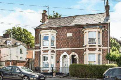 4 Bedrooms Semi Detached House for sale in Oxford Road, Gloucester, Gloucestershire