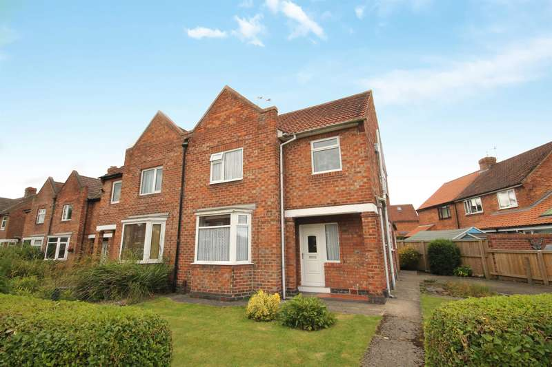 3 Bedrooms Semi Detached House for sale in Swale Avenue, Dringhouses, York, YO24 2PU