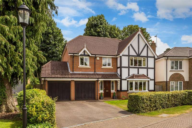 5 Bedrooms Detached House for sale in Foxon Close, Caterham, Surrey, CR3