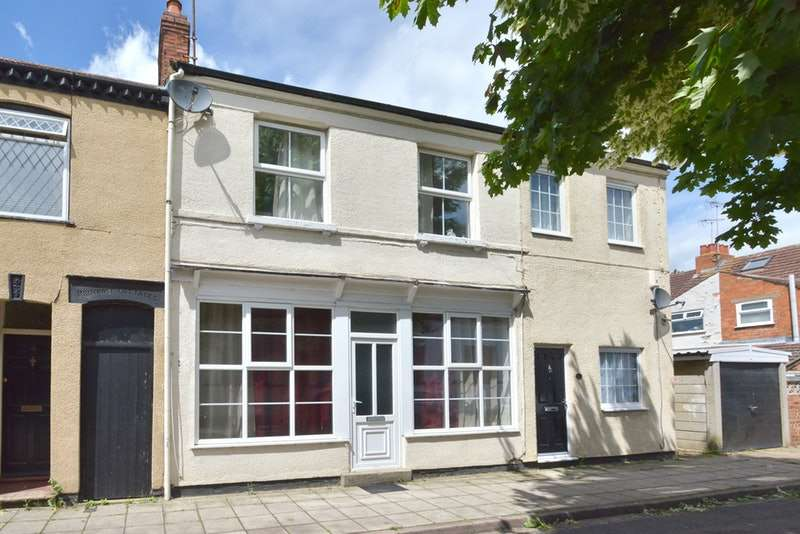 3 Bedrooms Terraced House for sale in St. Giles Street, Milton Keynes, Berkshire, MK13