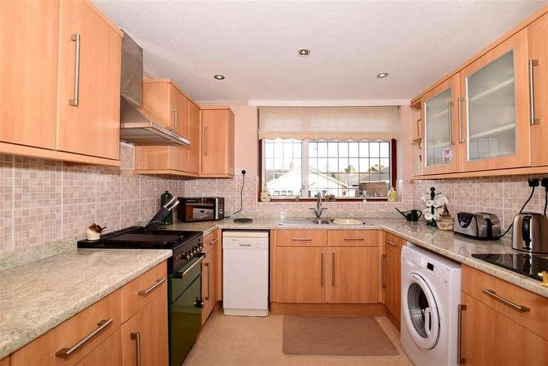 3 Bedrooms Detached Bungalow for sale in Shepherds Way, Langley, Maidstone, Kent