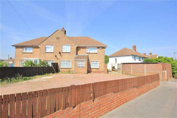 4 Bedrooms Semi Detached House for sale in Melbury Avenue, Poole