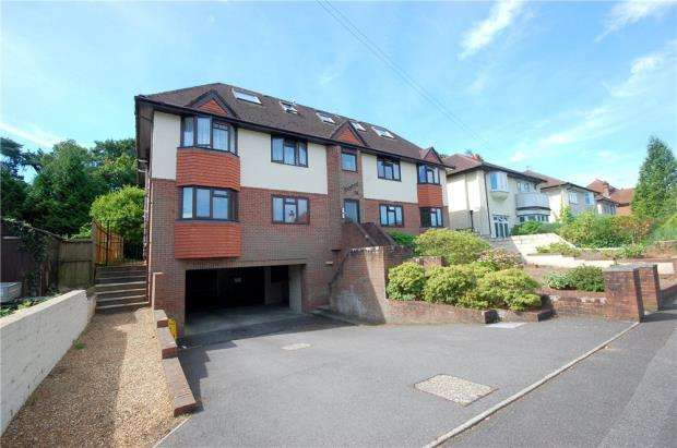 3 Bedrooms Flat for sale in Poole, Dorset, BH14