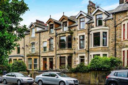 2 Bedrooms Flat for sale in Halton Road, Lancaster, Lancashire, LA1